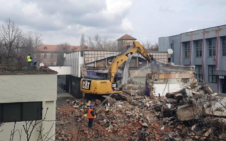 Fostul club Krypton încă un exemplu de dezvoltare imobiliară haotică în Craiova